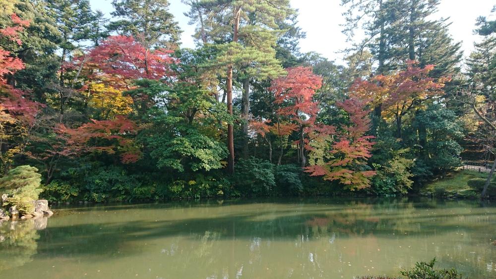 瓢池の紅葉