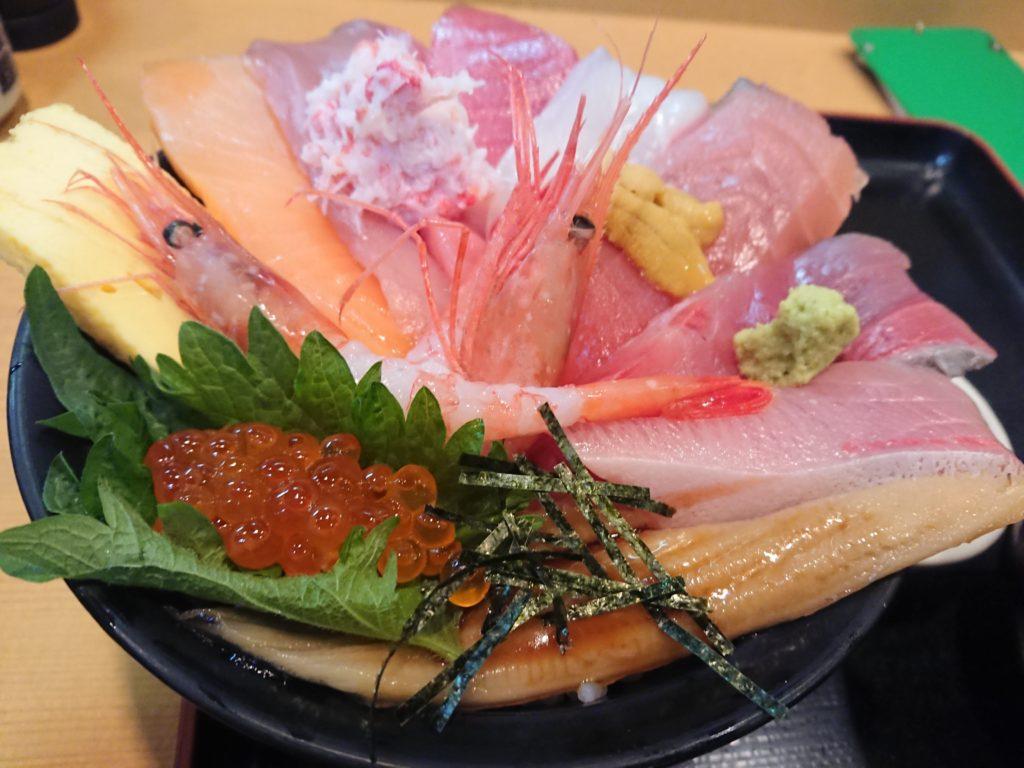 じもの亭の海鮮丼